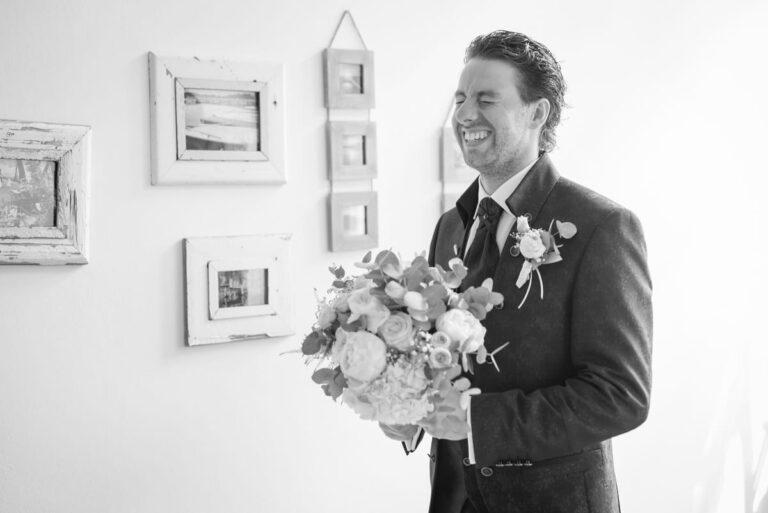Bräutigam First Look Hochzeit Hochzeitsfotograf Spreewald Cottbus Raphael Kellner
