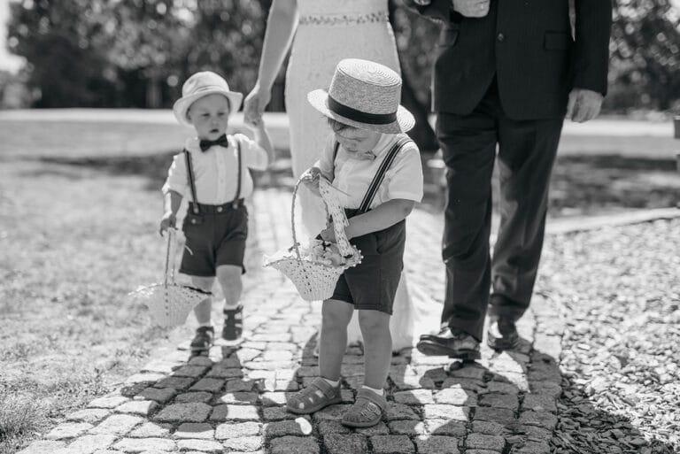 Hochzeit mit Kindern, Raphael Kellner, Spreewald, Hochzeitsfotograf, Heiraten, Cottbus, Dörrwalder Mühle